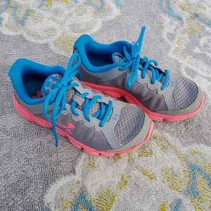 Girls Under Armour Tennis Shoes size 3.5 Y